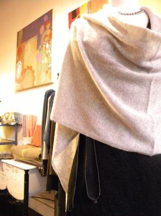 Minnie rose shawl, coco