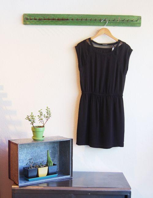 Black_dress_short