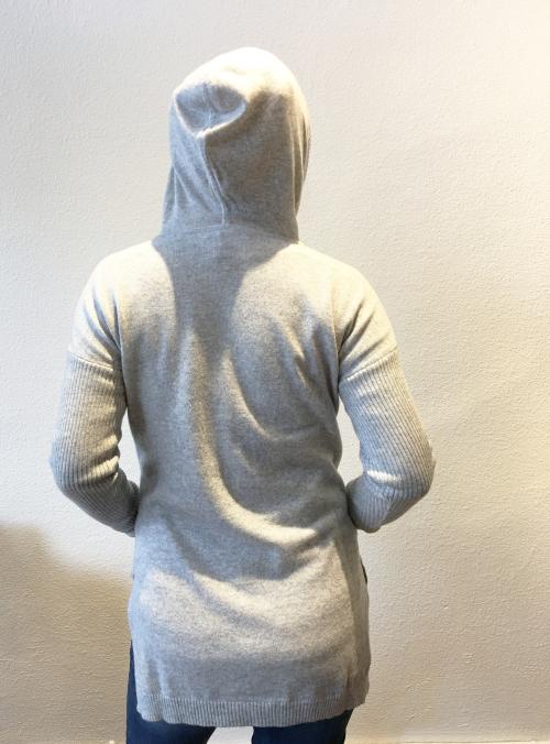 Gray_hoodie_back